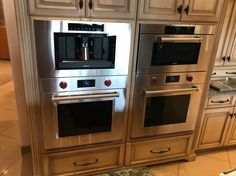 Wolf Double Wall Ovens & Steam Oven *Substitute microwave for built-in espresso maker Kitchen Designs Photos, Kitchen Images, Kitchen Pictures, Over The Stove Microwave, Wall Oven Microwave Combo, Built In Kitchen Appliances, Stainless Kitchen, Kitchen Post, Kitchen Oven