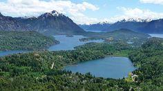 Imagenes Argentina. Ubicada en el Parque Nacional Nahuel Huapi, la ciudad de Bariloche es el centro de esquí más importante de la Patagonia
