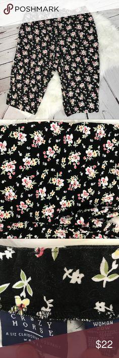 Plus Size - Crazy Horse 20W black floral capris Crazy Horse 20W black floral capris A Liz Claiborne company Liz Claiborne Pants Capris