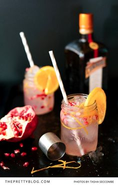 The ultimate cocktail recipe set - includes at least 6 amazing cocktail recipes that are incredibly easy to make and don't require too many ingeredients Summer Drink Recipes, Cocktail Recipes, Healthy Family Meals, Healthy Snacks, Cointreau Cocktails, Delicious Desserts, Yummy Food, Cook Up A Storm, Edible Gifts