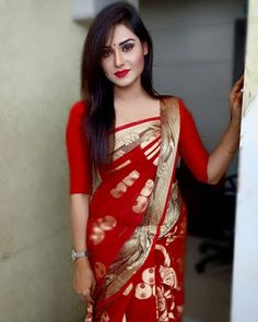 The best red saree collection! Beautiful Girl Photo, Beautiful Girl Indian, Most Beautiful Indian Actress, Beautiful Saree, Simply Beautiful, Fitness Motivation, Saree Photoshoot, Saree Models, Stylish Sarees