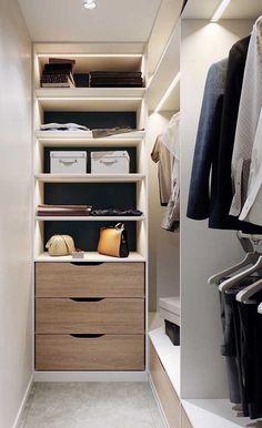 Super Closet Pequeno Quartos Feminino 35 Ideas Source by closet ideas Narrow Closet Design, Bedroom Closet Design, Master Bedroom Closet, Closet Designs, Bedroom Closets, Small Master Closet, Small Walk In Wardrobe, Small Closets, Small Walk In Closet Ideas