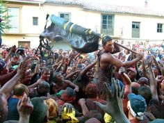"El Cascamorras, una fiesta que levanta pasiones en Baza y Guadix (Granada) / The ""Cascamorras"", a festivity that stirs passions in Baza and Guadix (Granada)"