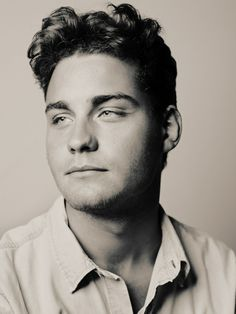 Our own Dutch Elvis/ J.Cash mix.......my favorite singer songwriter >Douwe Bob!