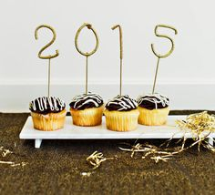 10 Favorite At-Home New Years Eve Party Ideas - 2015 Cupcakes #diy #nye