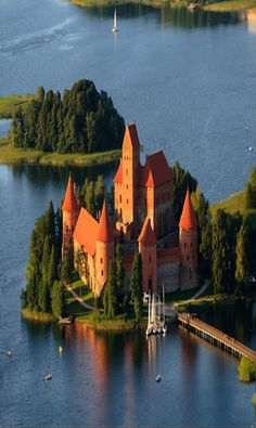 Trakai Island Castle in Trakai, Lithuania@@