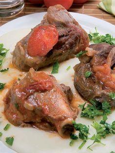 Sebzeli kuzu but tandır tarifi mi arıyorsunuz? En lezzetli Sebzeli kuzu but tandır tarifi be enfes resimli yemek tarifleri için hemen tıklayın!