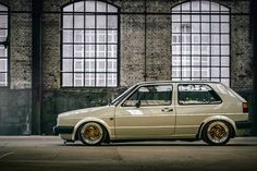 Golf, slammed, and got that stance pa-pa-pa-paaaleaaase? Scirocco Volkswagen, Volkswagen Golf Mk1, Vw Mk1, Golf Mk2, Car Restoration, Car Photography, Motor Car, Cool Cars, Super Cars