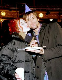 Kate Winslet and Jim Carey on the set of Eternal Sunshine of the Spotless Mind