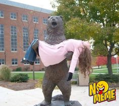 #Oso #Mujer #funny #bear #woman #statue http://www.nomeme.com.mx/