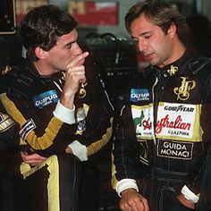 """Ayrton Senna e Elio de Angelis durante os treinos para o GP da Belgica de 1985…"