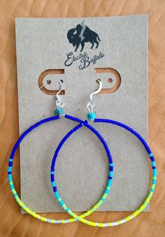 Royal and Lime Beaded Hoop Earrings by ShopElectricBuffalo on Etsy Seed Bead Jewelry, Bead Jewellery, Cute Jewelry, Beaded Jewelry, Seed Beads, Beaded Earrings Native, Native Beadwork, Hoop Earrings, Seed Bead Patterns