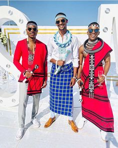 How you show up at . South African Traditional Dresses, African Traditional Wedding, Traditional Weddings, Xhosa Attire, African Attire, Africa Fashion, Mens Fashion, Fashion Outfits, Elegant Woman