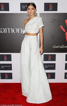 Fashionista!Zendayacut a striking figure on Thursday evening at the Diamond Ball in Los ...