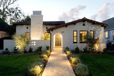 Home style exterior spanish revival california 29 ideas Spanish Revival Home, Spanish Style Homes, Mission Style Homes, Spanish Colonial Homes, Interior Design Minimalist, Modern House Design, Spanish House Design, Style At Home, Renaissance Espagnole