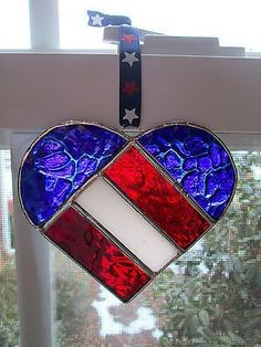 Red white and blue patriotic stained glass heart Stained Glass Ornaments, Stained Glass Suncatchers, Stained Glass Designs, Stained Glass Projects, Stained Glass Patterns, Stained Glass Art, Stained Glass Windows, Mosaic Glass, Fused Glass