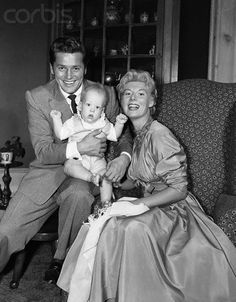 Gordon Macrae with wife Sheila and son