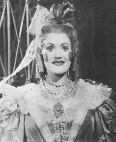 Early photo of Joan Sutherland as Olympia. Covent Garden, 1955 #opera