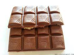 Türk damak tadını iyi bilen bir çikolata   Torku Çokofest Antep Fıstıklı ve Dolgulu Sütlü Çikolata  * Çikolatanın şekeri şeker pancarından üretilmiştir. Glikoz şurubu içermez * Kakao %30. Antep Fıstığı %15. Antep Fıstığı Püresi %15  www.cikolatalimani.com