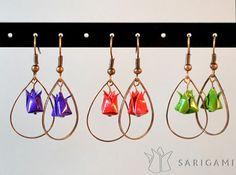 Bijoux en origami - Uteki, une fleur de lotus en papier. Perles de papier pliées à la main par Sarigami.