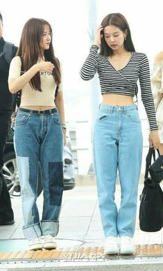 Kpop Outfits, Korean Outfits, Girl Outfits, Casual Outfits, Cute Outfits, Airport Outfits, Blackpink Fashion, Ulzzang Fashion, Fashion Outfits
