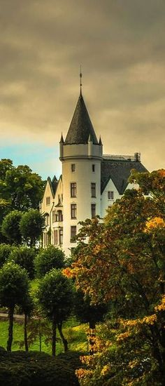 Gamlehaugen Castle, Bergen, Norway. The residence of the Norwegian Royal Family in the city. Gamlehaugen has a history that goes as far back as the Middle Ages.
