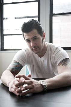 7d16a500d4fc0 Pastry chef Johnny Iuzzini Quiff Hairstyles, Cool Hairstyles, Men's  Hairstyle, Modern Pompadour,