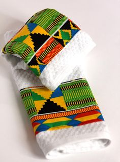 Items similar to African Print Kitchen Towels Africa Inspired Hand Towels Set of 2 Tea Towels Tribal Style Dish Towels Ankara Print Made in NC on Etsy African Interior Design, African Design, African Style, African Crafts, African Home Decor, African Print Fashion, Tribal Fashion, High Fashion, Hand Towels