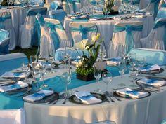 Ambientalización en color azul ideal para tu boda en playa por Bodas Huatulco