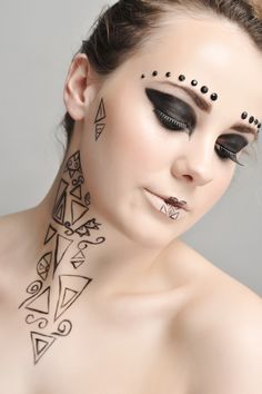 Avant Garde makeup by Leanne Kennedy #leannekennedyMUA