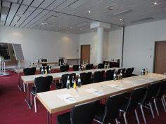 NH Berlin Potsdam - Hochwald    Dieser Veranstaltungsraum verfügt über Tageslicht und ist ausgestattet mit hochwertiger Tagungstechnik.  ISDN- und Wireless- Lan Zugang, Klimaanlage, verschiedene Licht- und Tondarstellungen für Präsentationen und Vorträge gewährleisten eine erfolgreiche Veranstaltung