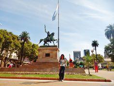 En la heroica  Plaza de Mayo.
