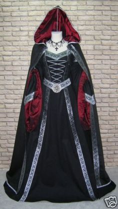 Beautiful medieval costume~~ this is what I would wear if I was invited to a medieval ball(: