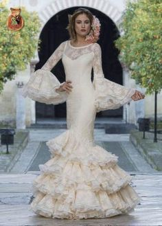 Home Decorating Ideas Kitchen and room Designs Spanish Fashion, Spanish Style, Lovely Dresses, Beautiful Gowns, Dream Wedding Dresses, Wedding Gowns, Flamenco Wedding, Spanish Wedding, Bridal Looks