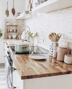 73 Simple Kitchen Decoration in Small house #simplekitchen #kitchenideas #simplekitchendecoration | digitalhiten.com