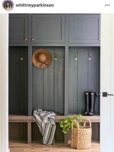 3 façons d'ajouter un peu de couleur dans votre hall d'entrée! #hallwayideas#homedecor#maison#décorationintérieure#décorationmaison