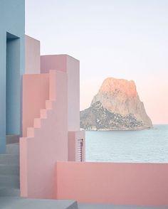 La Muralla Roja, Spain by architect Ricardo Bofill /