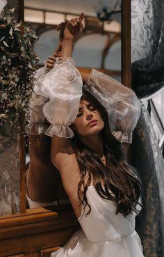 Model Poses Photography, Glamour Photography, Classy Aesthetic, Aesthetic Girl, Fashion Photography Inspiration, Photoshoot Inspiration, Foto Art, Marie, Wedding Dresses