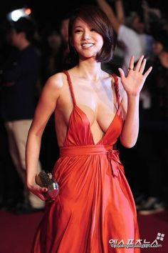 Oh In Hye 오인혜 from South Korea - Lenglui Angelina Jolie Body, Film Red, Grecian Goddess, Cute Korean Girl, Portrait Poses, Korean Actresses, International Film Festival, Red Carpet Dresses, Orange Dress