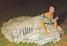 Virginia Zeani foto autografa nel ruolo di Violetta, La traviata Act 2 Scene 1 #VerdiMuseum