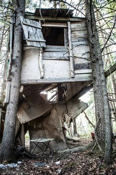 Abandoned treehouse Rovaniemi, Finland Floor has collapsed.. Please join to my Janne Flinck group, in that way you get all the posts, and not just a few percent. https://www.facebook.com/groups/1459478400963526/