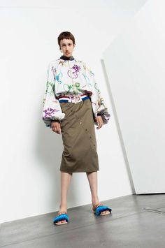 See the complete Stella Jean Resort 2018 collection.
