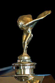 Rolls Royce ~ Spirit of Ecstasy Rolce Royce, Art Nouveau, Art Deco, Car Radiator, Hood Ornaments, Classic Cars, Spirit, Sculpture, Vintage