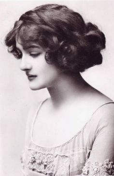 """Lily Elsie, the most photographed woman of Edwardian times...  """"Everyone agrees that Lily Elsie has the most kissable mouth in all England... she possesses the Cupid's bow outline with the ends curving upward delicately, all ready for smiles.... Strangely enough, the women of the land were among her most devoted admirers."""" - Lily Elsie Recalls her Renunciation"""", Atlanta Constitution, 21 November 1915"""