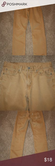 """LEVI'S 514 Brown Pants 30 x 29 Straight Leg Twill Levi's  Excellent Condition - No Stains or Hole  NOTE:  There is some rear pocket wear - See Photos  Color:  Brown  Twill Pants  Five Pocket Styling  Zipper and Button Closure  514     Waist:  30"""" (Measured Laying Flat Along Top of Rear Waist Then Doubled)  Inseam:  29 1/2""""  NOTE:  Tag States Inseam of 30"""".  They are NOT.  100% Cotton Levi's Jeans Straight"""