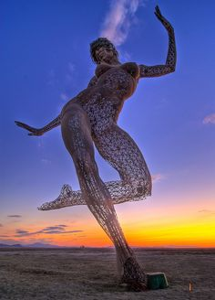"Bliss Dance by Marco Cochrane, Burning Man 2010 Marco Cochran's Bliss Dance sculpture released at Burning Man, now on Treasure Island. I can't wait to see his next breathtaking piece, ""Truth is Beauty. Burning Man Sculpture, Burning Man Art, Sculpture Art, Burning Man Images, Steel Sculpture, Black Rock Desert, Out Of The Dark, Treasure Island, Looks Cool"