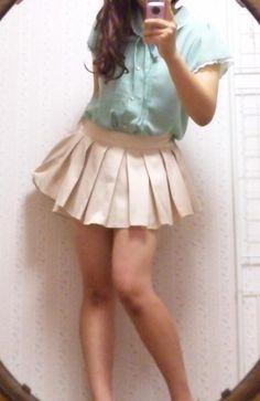 予定より  はやく更新しました♪      テキトー爽やか  コーデです(`・ω・´)ワラ      ちなみにブラウスは  黄緑にピンクの小花柄!!      最近 買った  ペプラムスカートは  なんにでも合います♪      しかも買った日がセール中で  半額でした(`☆ω☆´)るん      らっきー        ・小花柄ブラウス  しまむら/1200円?    ・ペプラムスカート  miel crishunant/2466円      次の更新は  8/14にします!!    よかったら見てね(`>ω<´)