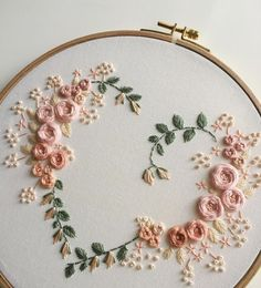Wonderful Ribbon Embroidery Flowers by Hand Ideas. Enchanting Ribbon Embroidery Flowers by Hand Ideas. Hand Embroidery Videos, Floral Embroidery Patterns, Embroidery Hearts, Embroidery Flowers Pattern, Simple Embroidery, Hand Embroidery Stitches, Crewel Embroidery, Embroidery Hoop Art, Vintage Embroidery