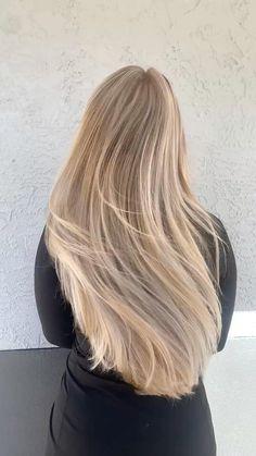Beige Blonde Hair, Caramel Blonde Hair, Blonde Bob Wig, Blonde Hair Looks, Blonde Balayage, Long Blond Hair, Blonde Hair For Summer, Baby Blonde Hair, Honey Balayage