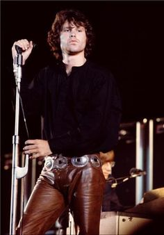 Singer and poet Jim Morrison of the rock band the Doors performing at the Hollywood Bowl in Los Angeles California Rock And Roll, Pop Rock, Hard Rock, Beatles, Henry Diltz, Jim Morison, Beste Songs, Music Rock, Music Music